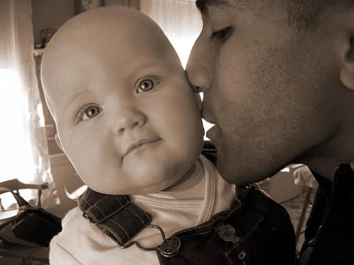 Nabil kiss mya